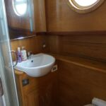 Wide Beam Barge - Ensuite facilities in master cabin