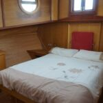 Wide Beam Barge - Master aft cabin with double bed