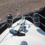 Princess 30S - Stainless steel pulpit, fender baskets and anchor windlass