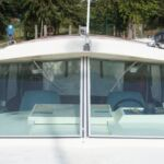 Fairline Mirage - Large windscreens and low air draft